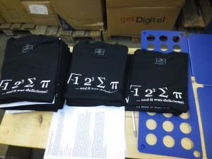 Wir sind fleißig dabei eure T-Shirts zu bedrucken